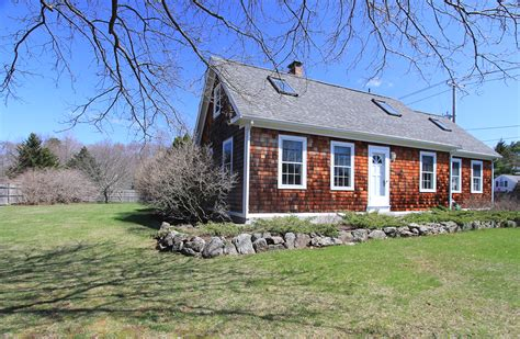 buying older boston north shore homes for sale 184 essex street hamilton ma john cindy farrell