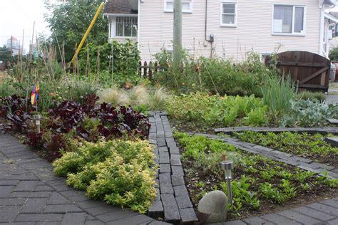 Front Yard Vegetable Garden Designs PDF