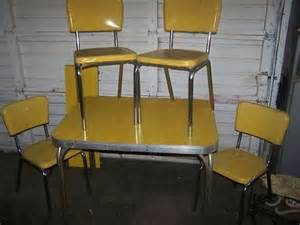 Vintage retro kitchen table and chairs master kitchen yellow cracked