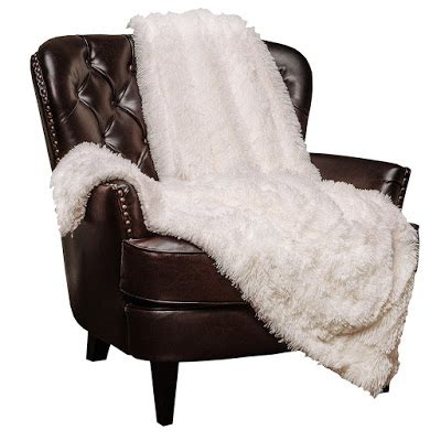 chic faux fur throw blanket inspiration for spaces quirky bohemian mama frugal bohemian lifestyle blog