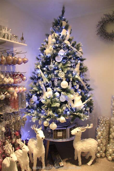 decoracion de pino navideño blanco tendencias para decorar tu arbol de navidad 2016 2017 7