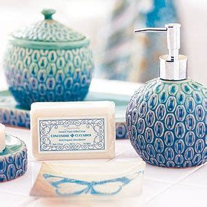 peacock bathroom accessories 1000 ideas about peacock themed bathroom on