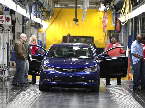 chrysler gm chrysler gm post sales gains in november cbs news