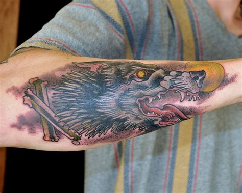 traditional wolf head tattoo neo traditional wolf wolf by matt lentz wolf
