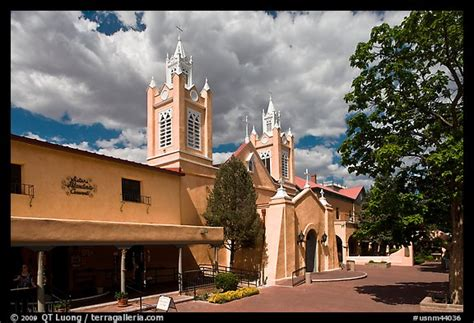 new mexico baptisms san felipe de neri church in albuquerque 1706 1802 1822 1828 books picture photo town plaza and san felipe de neri