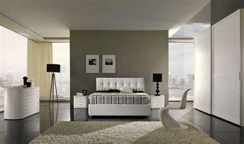 pareti con diverse tonalit 224 di grigio per