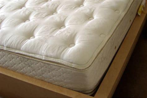comment nettoyer un matelas futon comment nettoyer un matelas guide astuces