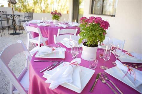 Schlichte Tischdeko Hochzeit by La Primavera Llega Con Flores Para Decorar La Mesa