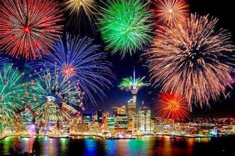 Kembang Warna Warni warna warni pesta kembang api tahun baru 2015 di dunia berita hari ini