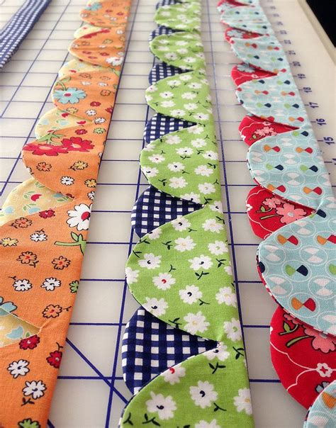 Quilting Edges by Best 25 Scalloped Edge Ideas On Quilt Binding