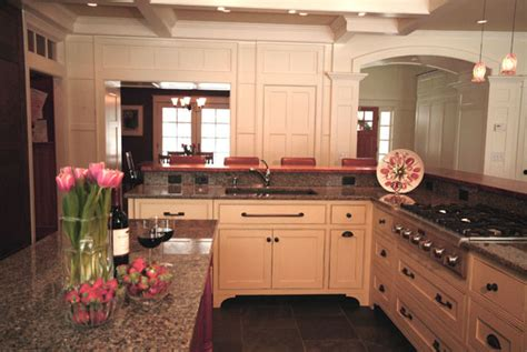How To Set Kitchen Cabinets | perfect entertaining setup traditional kitchen