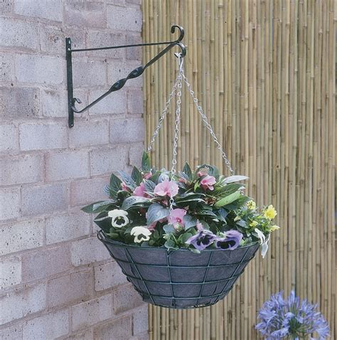 Wire Hanging Planters by Flat Bottomed Wire Hanging Basket Planter 40cm