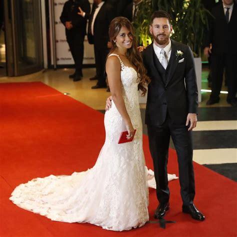 Messi Y Antonella El Vestido De Antonella Roccuzzo En La Boda Con Leo Messi