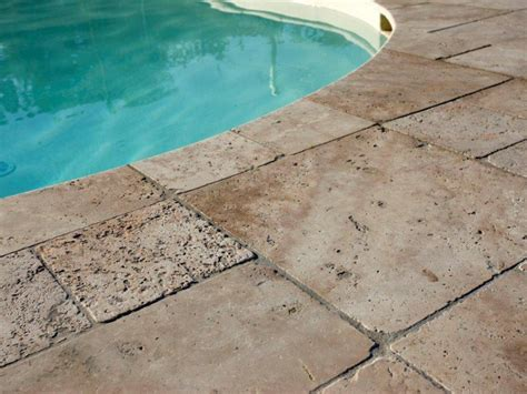 pavimenti in travertino marmo travertino per esterni caratteristiche srl