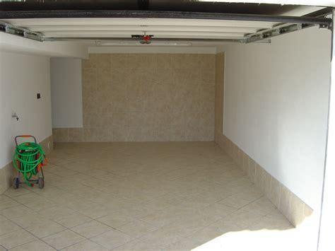 piastrelle per garage villa per vacanze a folgaria il garage