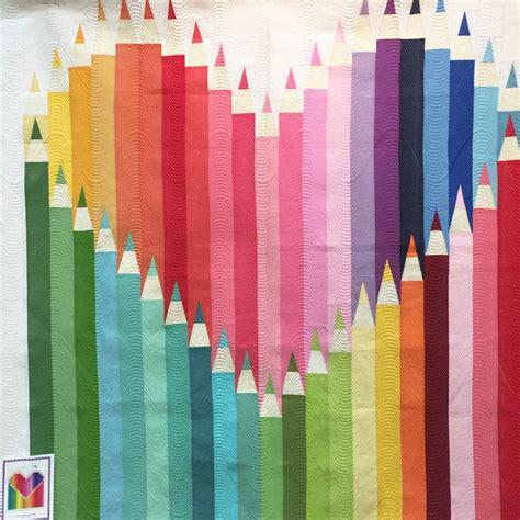 bunte steppdecken die besten 25 regenbogen quilt ideen auf