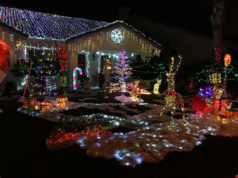 bainbridge temecula christmas lights radio station