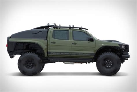 Expedition 6697 Black Gold Set toyota tacoma polar expedition truck