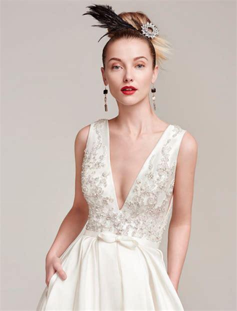 imagenes de vestidos de novia con escote en la espalda vestidos de novia con cuello en v vestidosdenovia com