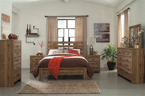 Vintage Look Bedroom Furniture Vintage Garden Decorating Ideas