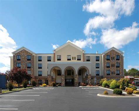 which is better quality inn or comfort inn exterior picture of quality inn suites abingdon