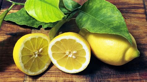 curare il limone in vaso limone propriet 224 e valori nutrizionali frutto della