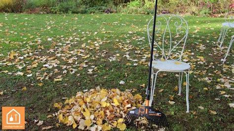 Ramasser Feuilles Mortes by Conseils Utiliser Les Feuilles Mortes Au Jardin