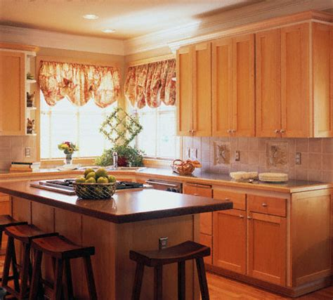 Small Kitchen Design Ideas With Island Small Island Kitchen Designs Small Kitchen Island Designs Small Kitchen Island Ideas Designs