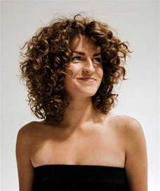 styles for curly layered hair using and combs 25 short and curly hairstyles short hairstyles 2016