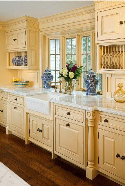 country kitchen furniture 25 best ideas about country kitchen cabinets on
