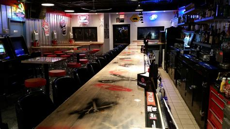 The Garage Restaurant Garage Bar Kenosha Sports Bar And Burger Restaurant