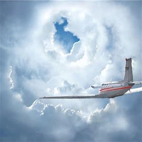 Ufo News Latest Ufo Sightings top 10 bermuda triangle theories gizmocrazed future