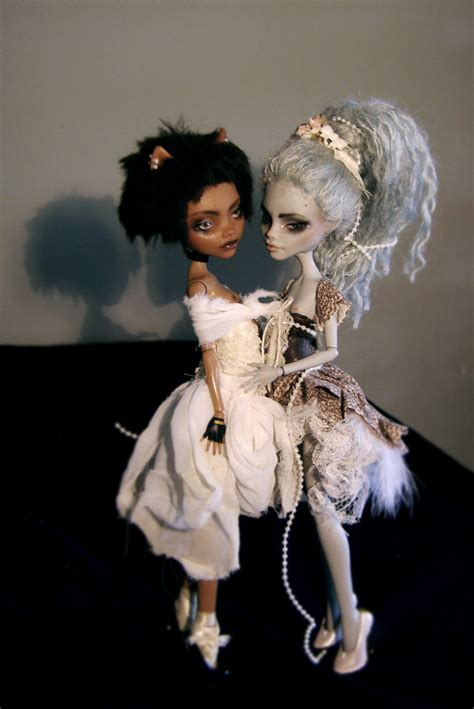 where can i buy a monster high doll house custom monster high doll made to order repaint reroot only