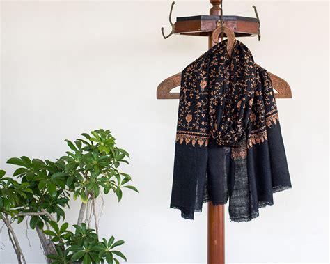 Pashmina Arabia Limited pashmina wool scarf black paisley embroidery kop 225 i paar indian craft store