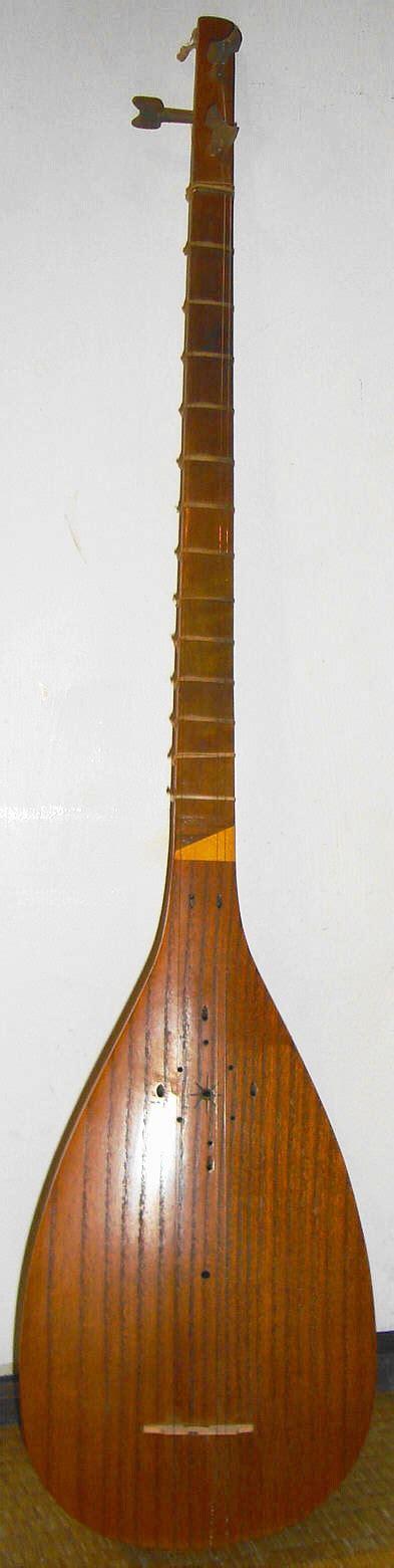 chitarra persiana sonoria spazio giovani musica poesia e musica persiana