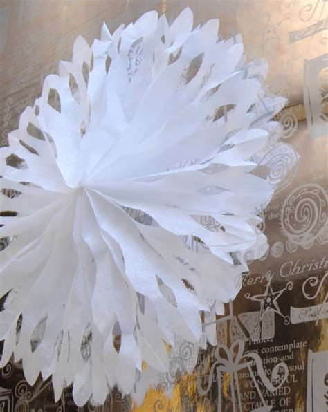 How To Make Tissue Paper Snowflakes - 1000 ideas about tissue paper on paper