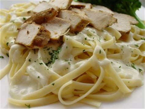 How To Make Olive Garden Alfredo Sauce by Seriously Better Than Olive Garden Alfredo Sauce Recipe