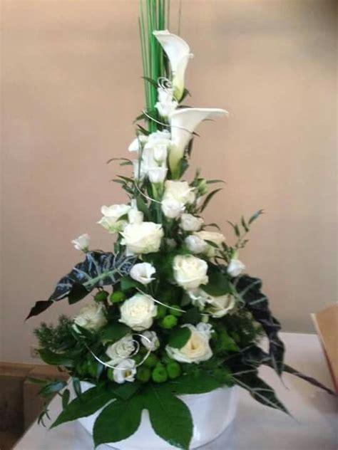 Hochzeit Blumenschmuck by Die Besten 25 Kirche Altarschmuck Ideen Auf