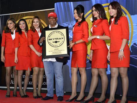 airasia skytrax tony fernandes ร บมอบรางว ล best low cost 2014 ภาพจาก