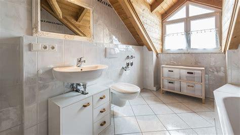 desain kamar ala jepang desain elegan kamar mandi yang menantang tren rumah dan