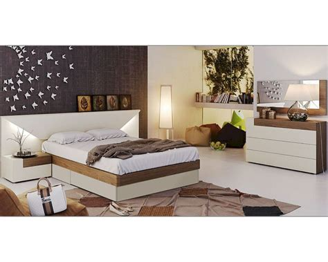 two tone bedroom furniture two tone modern bedroom set elena 33131el