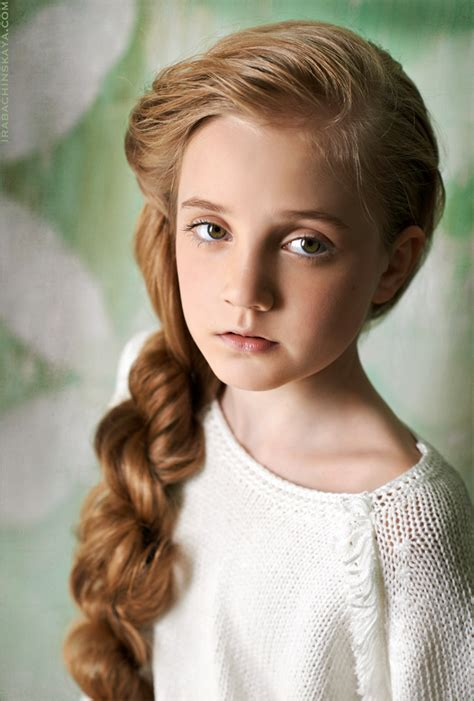 11 year old girl with blonde hair lera lo model kads blonde long hair green eyes 8 years old