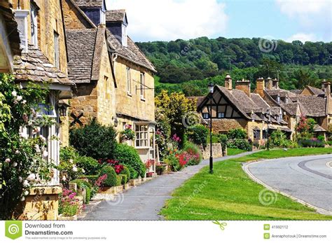 pretty cottages broadway stock photo image 41992112