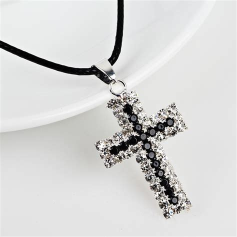 8 Necklaces To Give To Your by 2017 New Unisex Gift Rhinestone Cross Pendant Necklaces