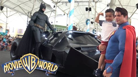 watch the batman superman movie world s finest meeting our favorite superheroes batman superman at warner bros movie world theme park ckn toys