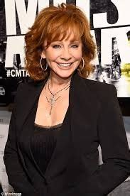 how to cut reba mcentire short hair cut 90 classy and simple short hairstyles for women over 50