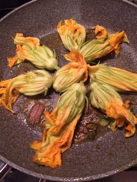 frittata ai fiori di zucca frittata ai fiori di zucca e scamorza pasticcera pasticciata