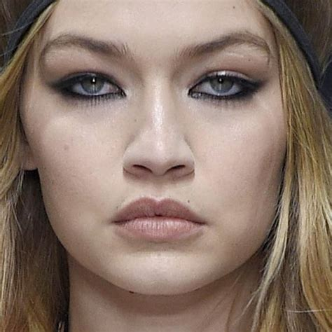 Make Up Gigi Hadid gigi hadid makeup black eyeshadow gray eyeshadow mauve