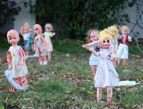 scary front yard decorations best 25 scary decorations ideas on