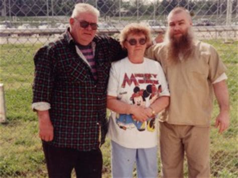 steven avery imdb making a murderer five reasons why you should watch the